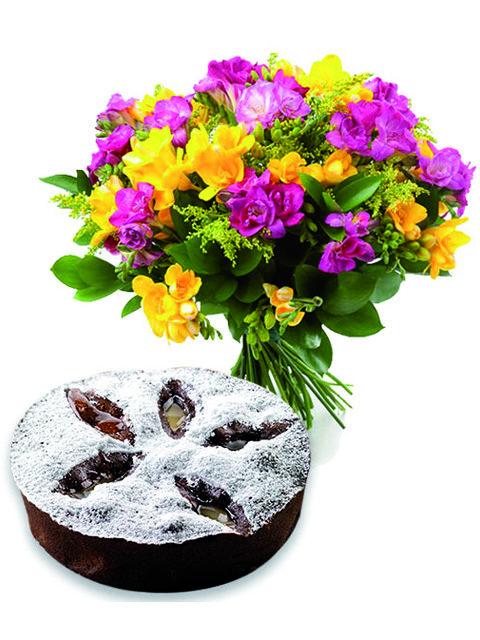 Bouquet lisiantus con torta cioccolato e pere.