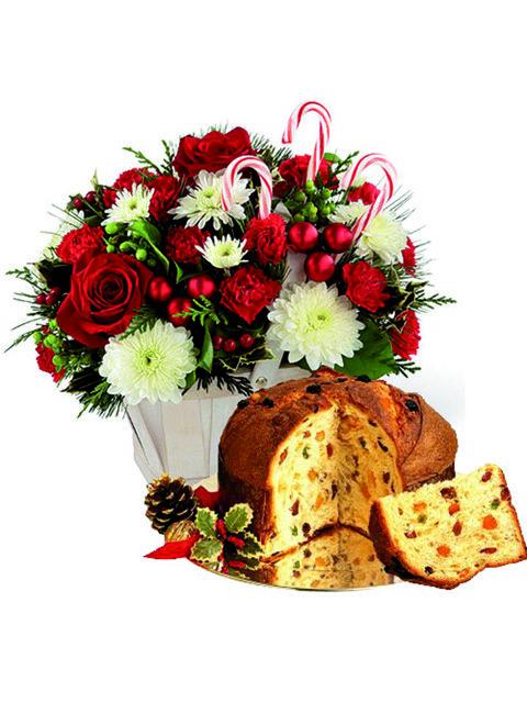 Cesto natalizio con fiori misti rose e panettone