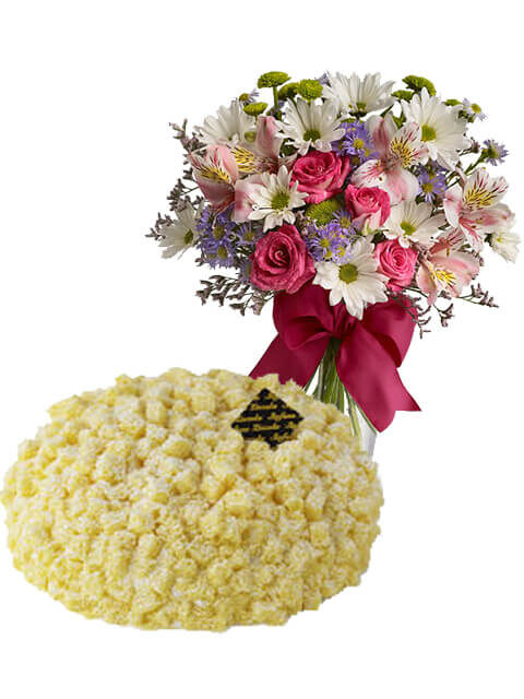 torta mimosa con bouquet beautiful