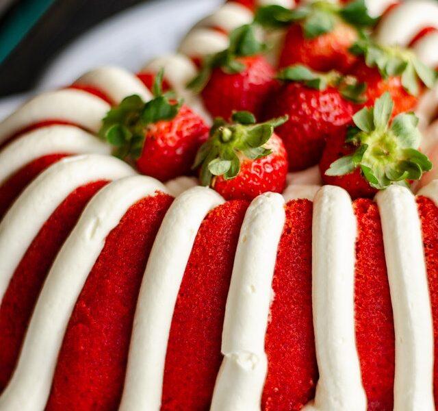 torta alle fragole e meringa